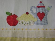 Pano de copa apliquêTorta by Francine Gois, via Flickr...these would be nice appliqués for kitchen towels,placemats,curtains,etc...