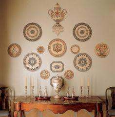 Como decorar as paredes com pratos