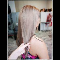 """37 kedvelés, 0 hozzászólás – Szabó Éva Fodrász (@szaboeva.hair) Instagram-hozzászólása: """"👑Világosszőkéből kicsit sötétebb👑 _________________________________ . . . . . . . #haj #fodrász…"""" Evo, Hair Styles, Beauty, Instagram, Hair Plait Styles, Hair Makeup, Hairdos, Haircut Styles, Hair Cuts"""