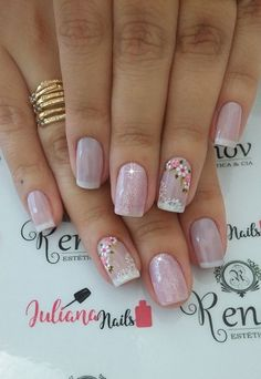 23 Modelos e Fotos de Unhas Decoradas com Flor Uñas Decoradas ? Pink Nail Colors, Pink Gel Nails, Pink Nail Art, Flower Nail Art, Pastel Nails, Bling Nails, Gel Nail Art, My Nails, Manicure Nail Designs