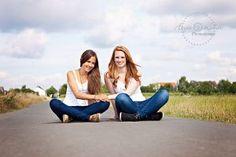 2 beste freundinnen beim fotoshooting fotografin leipzig rech friends fotostudio freunde. Black Bedroom Furniture Sets. Home Design Ideas