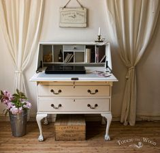 Shabby Chic Writing Desk - Bureau no. 15 | Touch the Wood