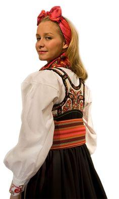 Bilderesultat for telemark bunad beltestakk Traditional Dresses, Traditional Art, Folk Costume, Costumes, Bridal Crown, Vintage Photos, Norway, Bridal Dresses, Scandinavian