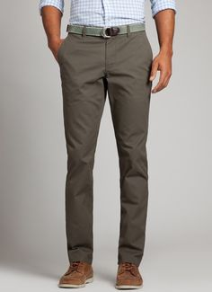 Men's Pants and Shorts - Chinos, Khakis, Dress Pants and Jeans Mode Outfits, Casual Outfits, Men Casual, Mens Business Casual Shoes, Mens Dress Pants, Men Dress, Dress Shoes, Men Pants, Men's Wardrobe
