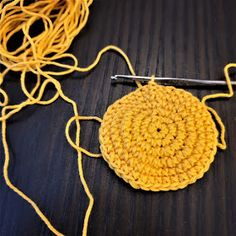 Maria A: Ohje: Virkattu mustekala Octopus Crochet Pattern, Crochet Patterns, Baby Staff, Crochet Earrings, Projects To Try, Embroidery, Knitting, Pom Poms, Crocheting
