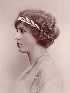American Duchess: V12: Introduction to Hairstyles in 1912