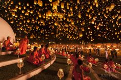 Floating lantern festival in Chiang Mai, Thailand. Each November, in the city of Chiang Mai in Thailand, take place the most mesmerizing lantern festival called Yi Peng (second full moon). Releasing a lantern into the air symbolizes the new beginning. Floating Lantern Festival, Lantern Festival Thailand, Floating Lanterns, Sky Lanterns, Paper Lanterns, Floating Lights, Lantern Lighting, Chiang Mai, World Photography