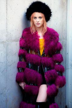 mackenziedavisfan:Mackenzie Davis as Mariette in Blade Runner...