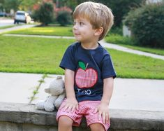 Boys back to school outfit - apple applique shirt - first day of preschool t-shirt - day of prek bodysuit - monogrammed back to school School Outfits Highschool, Spring Outfits For School, Back To School Outfits, Summer Outfits, Gingham Shorts, Red Gingham, Body Suit With Shorts, Going Home Outfit, Cold Weather Outfits