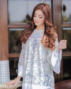 Beautiful Pakistani Dresses, Pakistani Formal Dresses, Pakistani Fashion Casual, Pakistani Dress Design, Stylish Dresses For Girls, Stylish Girls Photos, Stylish Girl Pic, Girls Dresses, Shower Dress For Bride
