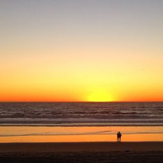 Enjoy scenes from the South Bay (Manhattan Beach, Hermosa Beach, Redondo Beach) for the week of October 25, 2015. The first half of the week I was in Austin, but when I returned home, the weather w...