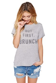 Daydreamer: But First, Brunch Boyfriend tee in heather grey | Soleil Blue