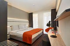 Eines der Hotelzimmer des neuen RAMADA Hotels im Zentrum von Hamburg
