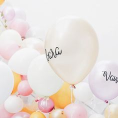 Für mehr Ballons Pastell und Bonbon-Farben auf Instagram... .  . In love with these soft colors today... . #sisterMAGlovesCEWE #freude_teilen #photokinacewe #balloons #deko #decor #party #partydecor #ballons #ballon #soft #softcolors #pastell #candycolor #candycolored #crushonthecolorblush #softtones #happyplace #happyweeked #thatsdarling