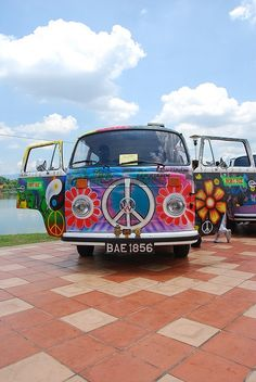 Painted Up VW Bus ☮ re-pinned by @wfpblogs see more  #VWBus on https://www.pinterest.com/wfpblogs/vw-bus/