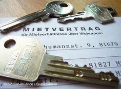 Neu in Deutschland? Keine Ahnung von Banken, Versicherungen oder Wohnungssuche? Hier gibt es die wichtigsten Tipps.