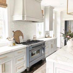 Home Interior Salas .Home Interior Salas Kitchen Hoods, New Kitchen, Kitchen Decor, Kitchen Cabinets, Gray Cabinets, Home Design, Home Interior Design, Interior Modern, Fixer Upper Style