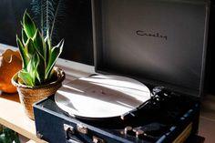 turntable record vinyl - http://www.welovesolo.com/turntable-record-vinyl/