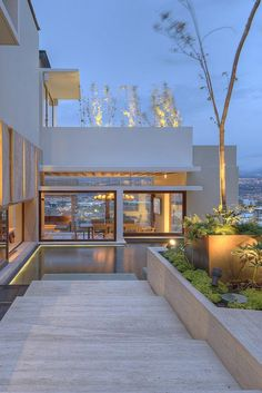 Elegant Contemporary House in San Joseé, Costa Rica Beautiful Architecture, Interior Architecture, Design Exterior, Modern Pools, Modern Mansion, Art Deco Home, House Goals, Future House, Outdoor Spaces