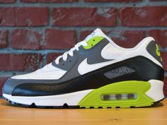 online retailer 1547a 5033c NIKE AIR MAX 90 LEATHER WHITE BLACK FIERCE GREEN 652980 103