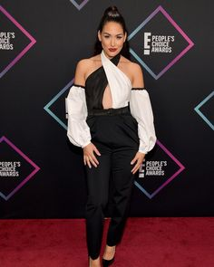 Brie Bella At The Peoples Choice Awards  Brie Bella Choice Awards Twins