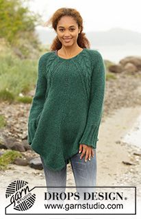 """Emerald Queen - Knitted DROPS tunic with deep raglan and cables, worked top down in """"Air"""". Size: S - XXXL. - Free pattern by DROPS Design Jumper Knitting Pattern, Knitted Poncho, Jacket Pattern, Free Knitting Patterns For Women, Knit Patterns, Clothing Patterns, Drops Design, Pull Poncho, Magazine Drops"""