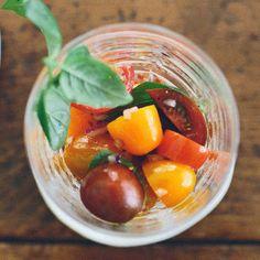 Recette summer cherry tomato salad - Cuisine / Madame Figaro