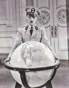 """Charles Chaplin en """"El Gran Dictador"""", 1940"""