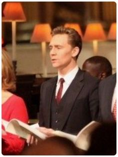 Tom Hiddleston at The Cancer Research UK Christmas Carol Concert at St. Paul's Cathedral. Dec.11/12  Pinned from PinTo for iPad 