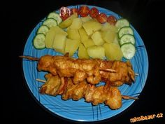 Špízy v pivním těstíčku | Mimibazar.cz Tandoori Chicken, Meat, Ethnic Recipes, Food, Essen, Meals, Yemek, Eten
