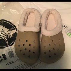 NEW- Crocs Mammoth Khaki/oatmeal NEW WITH TAG- Great for winter crocs Shoes Mules & Clogs