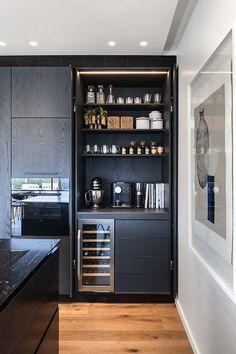 Penthouse in Tel Aviv by Aviram-Kushmirski Kitchen Room Design, Modern Kitchen Design, Home Decor Kitchen, Interior Design Kitchen, Home Kitchens, Modern Home Bar, Kitchen Dining Living, Home Bar Designs, Pantry Design