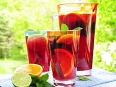 Detox Diet Drink Recipes for Weight Loss - 7 Super Fresh Ideas Weight Loss Meals, Diet Plans To Lose Weight, Weight Gain, Diet Soup Recipes, Healthy Foods To Eat, Healthy Dinner Recipes, Vodka Recipes, Fruit Recipes, Fruit Drinks