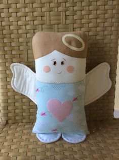 Resultado de imagem para naninha anjinho Doll Crafts, Cute Crafts, Fabric Toys, Fabric Crafts, Sewing Toys, Sewing Crafts, Quilting Projects, Sewing Projects, Pillow Pals