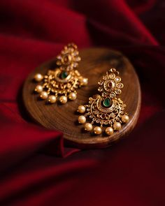 #goldearrings #goldearringsforwomen❤ #goldearringsph #earrings Jewelry Design Earrings, Gold Earrings Designs, Gold Bangles Design, Gold Jewellery Design, Designer Earrings, Jewelry Necklaces, Hoop Earrings, Gold Temple Jewellery, Gold Jewelry
