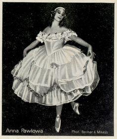 vintage photography of ballerina Anna Pavlova, Ballet Photography, Vintage Photography, Ballet Russe, Vintage Ballet, Ballet Images, Female Dancers, Russian Ballet, Beautiful Costumes