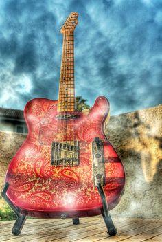 pink paisley guitar...I want it!!!