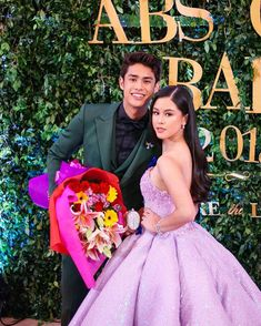 These Are The 10 Most Stylish Celebrity Couples And Love Teams Donkiss Kim Cam Jones, Donny Pangilinan Wallpaper, Joshua Garcia, Sarah Lahbati, Liza Soberano, Stylish Couple, How To Look Classy, Celebrity Couples, Ulzzang Girl