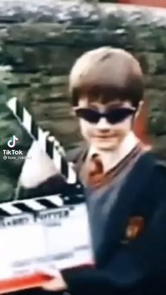 Harry Potter Gif, Hery Potter, Young Harry Potter, Harry Potter Pictures, Harry Potter Universal, Harry Potter Characters, Harry Potter Collection, Hogwarts, Fandoms