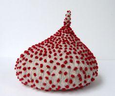 'beret10' by Japanese fiber artist & designer Shan Shan. via tinytoadstool by shan shan on Flickr