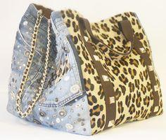 L'arte del re-use contamina il fashion. Rebecca j. trasforma i vecchi denim in shopping bags