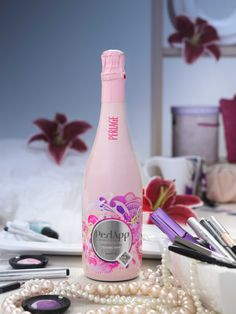 #perlapprosè organic spumante rosè - very #pink and very #glamour #EcoHighHills…