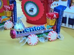 An idea with candy for a train theme birthday party. I would use rolos rather than mentos Thomas Birthday, Trains Birthday Party, 4th Birthday Parties, Boy Birthday, Birthday Ideas, Train Party Favors, Candy Train, Candy Party, First Birthdays