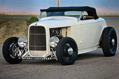 See our website for more relevant information on hot rod cars. It is a superb area to find out more. Hot Rods, Hot Rod Autos, 1932 Ford Roadster, Traditional Hot Rod, Classic Hot Rod, Ford Classic Cars, Hot Rod Trucks, Us Cars, Retro Cars