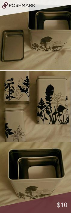 EUC 3 NESTING CANISTERS Super cute metal nesting canisters each with a lid. Very gently used.  Could be used for makeup brushes or anything. 😊 Other