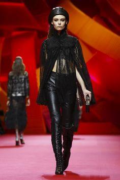 Shiatzy Chen Ready To Wear Fall Winter 2017 Paris
