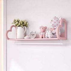 A Prateleira Com Varão Coração Rosé é puro amor! Esse acessório cheio de personalidade vai ficar incrível na decoração do quarto de bebê rosa! Vem se apaixonar!