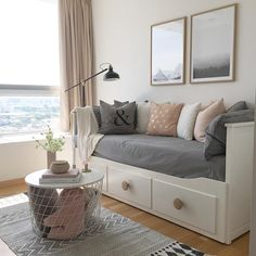 WEBSTA @ photosbyir - Good morning sunny summer day ☀️ Wish you a wonderful day 🌸♡. Guest Bedroom Office, Room Ideas Bedroom, Small Room Bedroom, Dream Bedroom, Bedroom Decor, Guest Room, Daybed Room, Ikea Daybed, Deco Studio