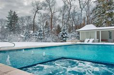 We love the look of this pool/spa combo by Platinum Poolcare! And the scenery is gorgeous. Credit: Platinum Poolcare,  http://platinumpoolcare.com
