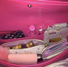 """𝗯𝗲𝗲𝗹 on """"𝐩𝐢𝐧𝐤 𝐚𝐞𝐬𝐭𝐡𝐞𝐭𝐢𝐜"""" Bad Girl Aesthetic, Boujee Aesthetic, Aesthetic Beauty, Aesthetic Collage, Aesthetic Makeup, Aesthetic Vintage, Photowall Ideas, Tout Rose, What In My Bag"""